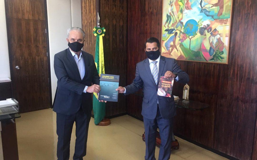 Diretoria da PEIXE BR se reúne com o Secretário Executivo do MAPA, Marcos Montes